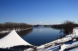 Connecticut River in Hartford, February 24, 2008.jpg