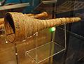 Corne de berger en écorce de bouleau (musée national, Helsinki).jpg