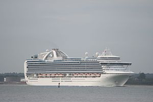 Crown Princess (ship) - Image: Crown Princess 1