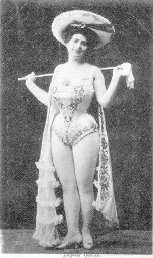 Dagmar Hansen - Dagmar Hansen on stage in 1908