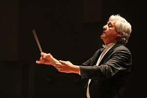 Dieter Lehnhoff - Dieter Lehnhoff conducting