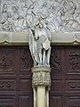 Dijon - église Saint-Michel - statue de Saint-Michel.jpg