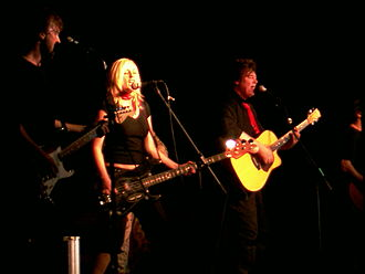 The Angels (Australian band) - Image: Doc Neeson and Angels Baghdad Oct 2007