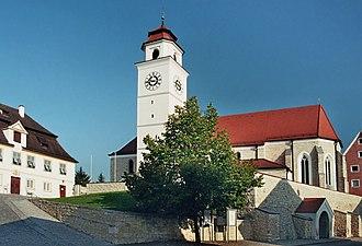 Dollnstein - Image: Dollnstein Marktzentrum mit Rathaus und Kirche