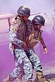 Drilling Iraqi police on core medic skills DVIDS211177.jpg