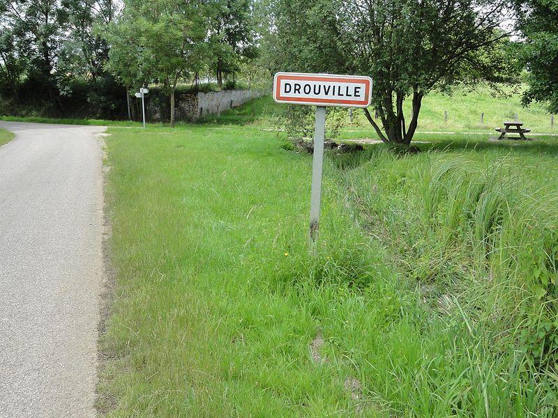 Drouville (M et M) city limit sign