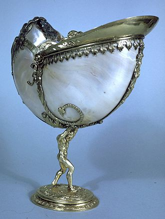 Atlas (mythology) - Image: Dutch Nautilus Cup Walters 57989 Profile