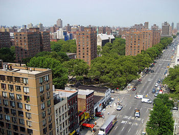 English: Looking from 96th Street in the south...