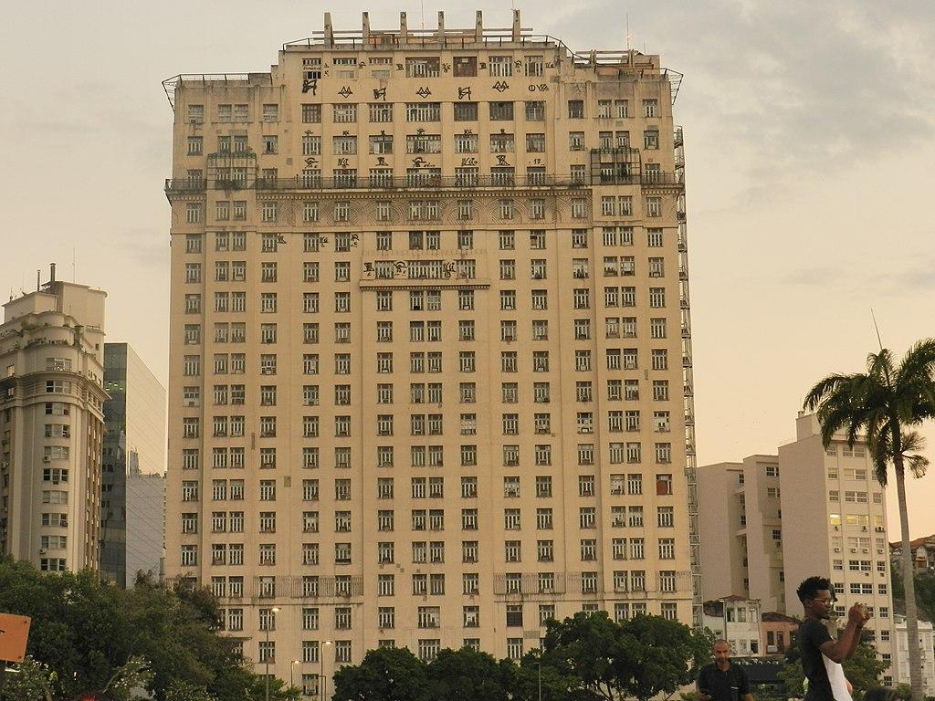 File Edificio A Noite Praca Maua Rio De Janeiro Rj Jpg