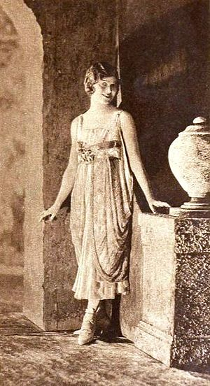 Irene (musical) - Edith Day in Irene (1919)