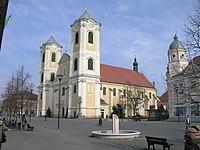 Eglise Szent Bertalan de Gyöngyös.jpg