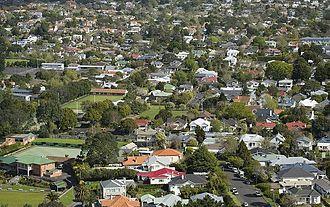 Epsom, New Zealand - Image: Eight col EPSOM16