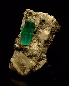 Emerald crystal muzo colombia.jpg