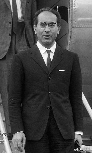 File:Emilio Colombo 1966.jpg - Wikimedia Commons