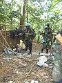 Eringeti, Nord Kivu, RD Congo - Les FARDC et la Force spéciale tanzanienne de la MONUSCO sont en train de fouiller une position de l'ADF reconquise au cours de l'opération Usalama.jpg