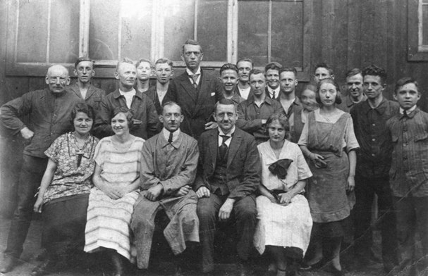 Ernst Siegling with his employees