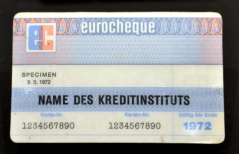 Bestand:Eurocheque-Karte 1972 Wirtschaftsmuseum RV.jpg