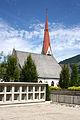 Fügen Pfarrkirche Urnengräber.jpg