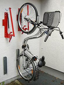 Fahrradabstellanlage wikipedia - Fahrrad an die wand hangen ...
