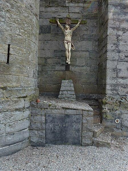 Flines-lès-Mortagne (Nord, Fr) église, le calvaire du chevet