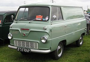 Ford Thames 400E at Battlesbridge.JPG
