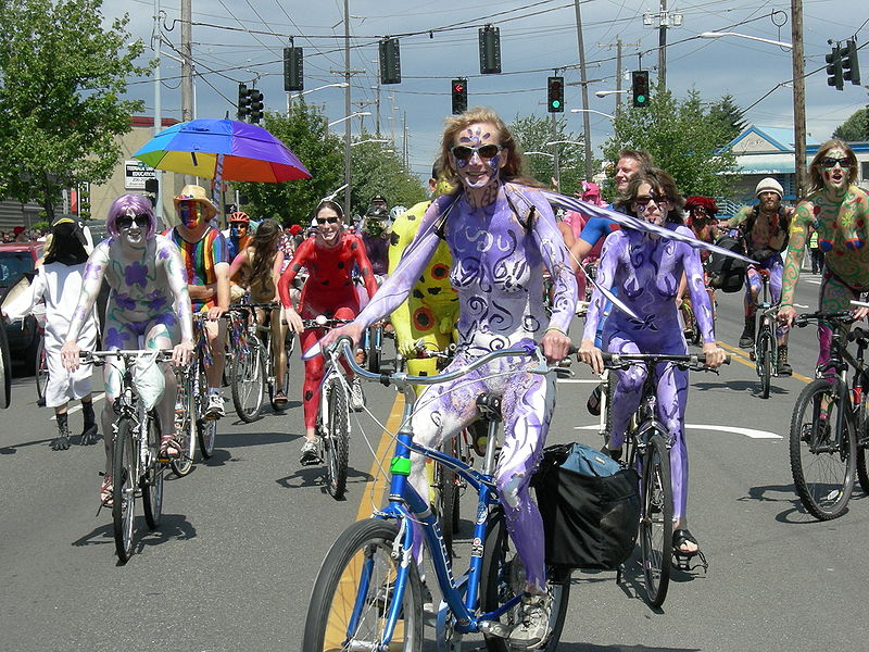 Braking nudes! Seattles naked Solstice cyclists use Spin, Ofo and LimeBike in new bike-baring