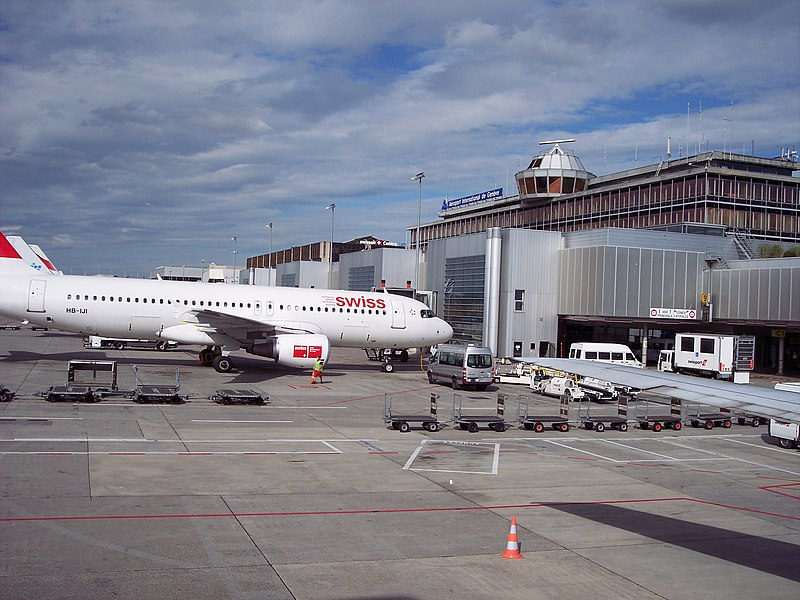 Большинство из иностранных мигрантов переезжает в Швейцарию по семейным обстоятельствам