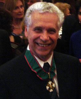 Gabriele Veneziano Italian theoretical physicist