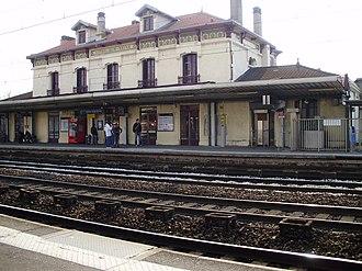 Vitry-sur-Seine (Paris RER) - Image: Gare de Vitry sur Seine 02
