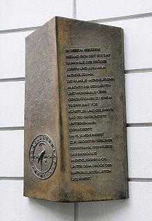 Memorial plaque on the site of the Mendelssohn Bank at Jägerstraße 51, Berlin (Source: Wikimedia)