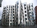 Gehry Building Düsseldorf.jpg