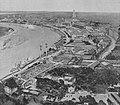 Gesamtansicht der Großen Ausstellung Düsseldorf 1915. Nach einem Aquarell von Professor Heinrich Hermanns. Rhein und Düssel, vom 16. Mai 1914.jpg