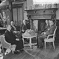 Gesprek over de kolencrisis en het Europees Parlement v.l.n.r. mr. W. F. Van Lic, Bestanddeelnr 910-2400.jpg