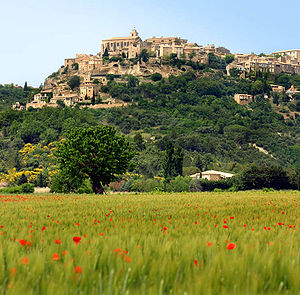 Luberon - Gordes from the valley
