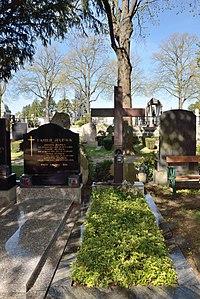 Grave of Alban Berg, Hietzinger Friedhof.jpg