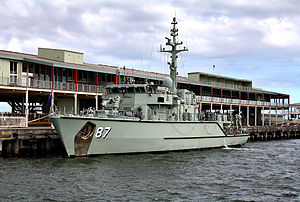 HMAS Yarra at Melbourne in 2012.jpg