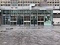 Halles de Lyon-Paul-Bocuse entrée côté Rue Garibaldi.jpg