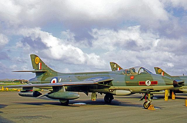 640px-Hawker_Hunter_F.6_XG131_41.229_OCU_CHIV_23.08.69.jpg
