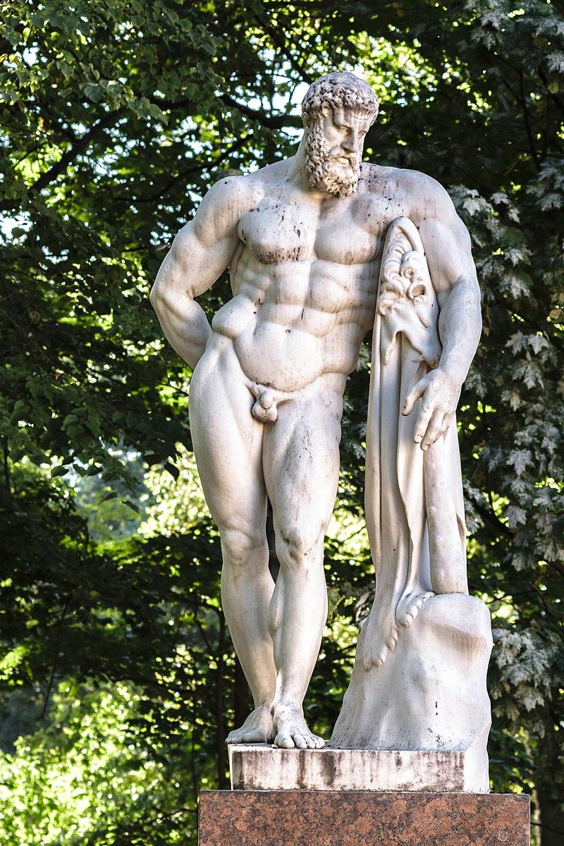 Hercules Farnese in Alexander Garden.jpg