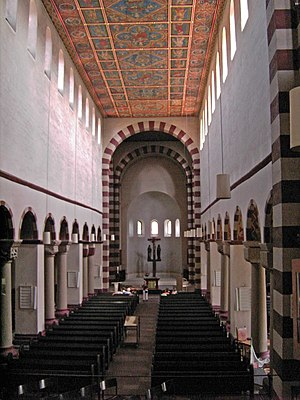 St. Michael's Church, Hildesheim - Image: Hildesheim St Michaels Church.interior.01