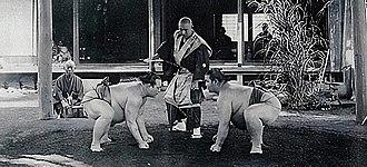 Umegatani Tōtarō II - Umegatani (right) vs Hitachiyama