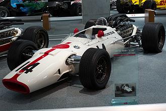 Honda RA300 - Image: Honda RA300 front left Honda Collection Hall