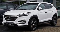 Hyundai Tucson 2.0 CRDi 4WD Premium (III) – Frontansicht, 5. September 2015, Düsseldorf.jpg