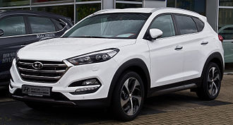 Hyundai Tucson - Image: Hyundai Tucson 2.0 CR Di 4WD Premium (III) – Frontansicht, 5. September 2015, Düsseldorf