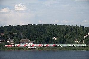 Transport in Finland - A double-decker InterCity 2 train at Hämeenlinna.