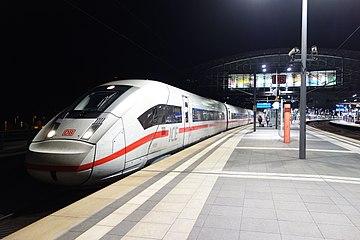 ICE 4 Berlin Hauptbahnhof (3).jpg