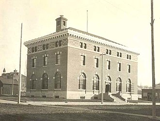 Moscow City Hall (Idaho) - Looking southeast from Second and Washington