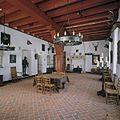 Interieur, overzicht van de ridderzaal, gezien naar noordwand met schouw - Doorwerth - 20424100 - RCE.jpg