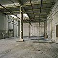 Interieur, overzicht van een ruimte in de fabriekshal - Maastricht - 20385994 - RCE.jpg