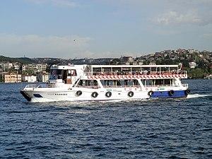 Istanbul Ausflugsschiff Yeni Marmara (01).jpg